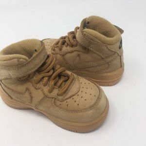 Nike Wheat Color Force 1 Sz 6C